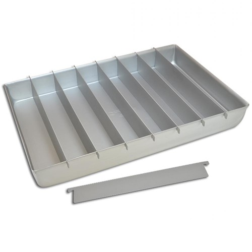 Chequered cake mould
