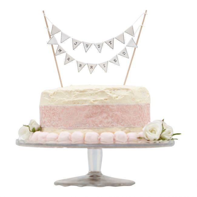 White «Just Married» garland – cake decoration @