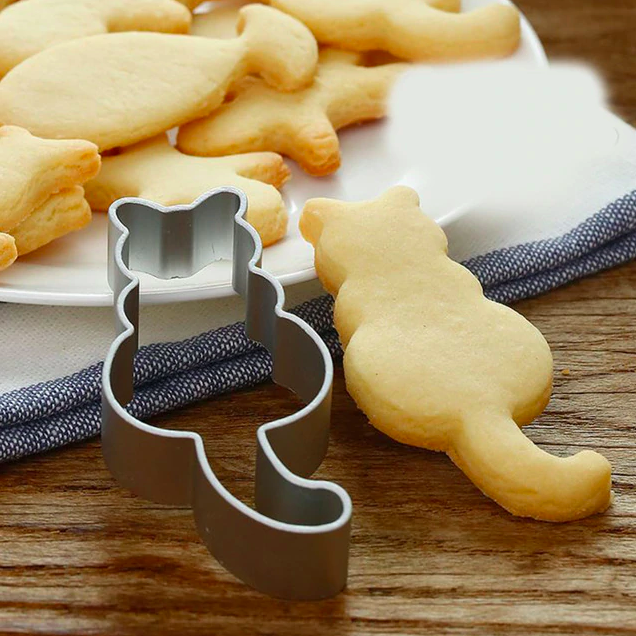 Cat's back cookie cutter