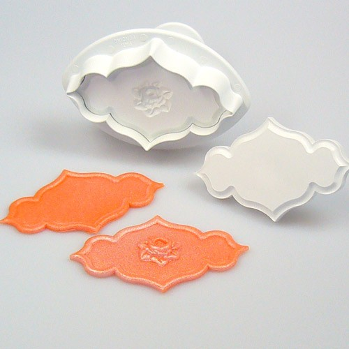 Rose plate cookie cutter with ejector