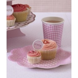 Plates vichy coloured with pink dots