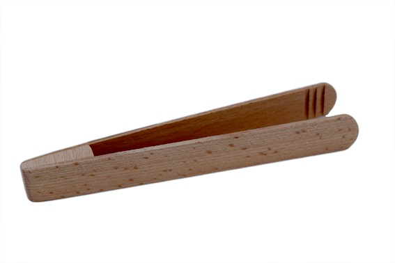 Beech wood pincher for toasts